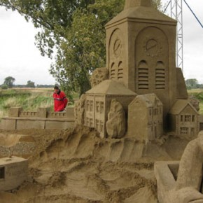 Zandsculptuur 'De Nieuwe Grensmaas'
